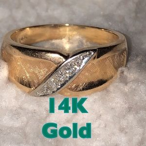 14K Gold ring with line of silver stones EUC VTG